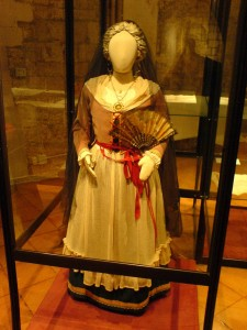 Traditional dress from Bari, Apulia